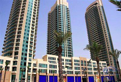 Apartment for Rent in The Lofts at Downtown Dubai Dubai